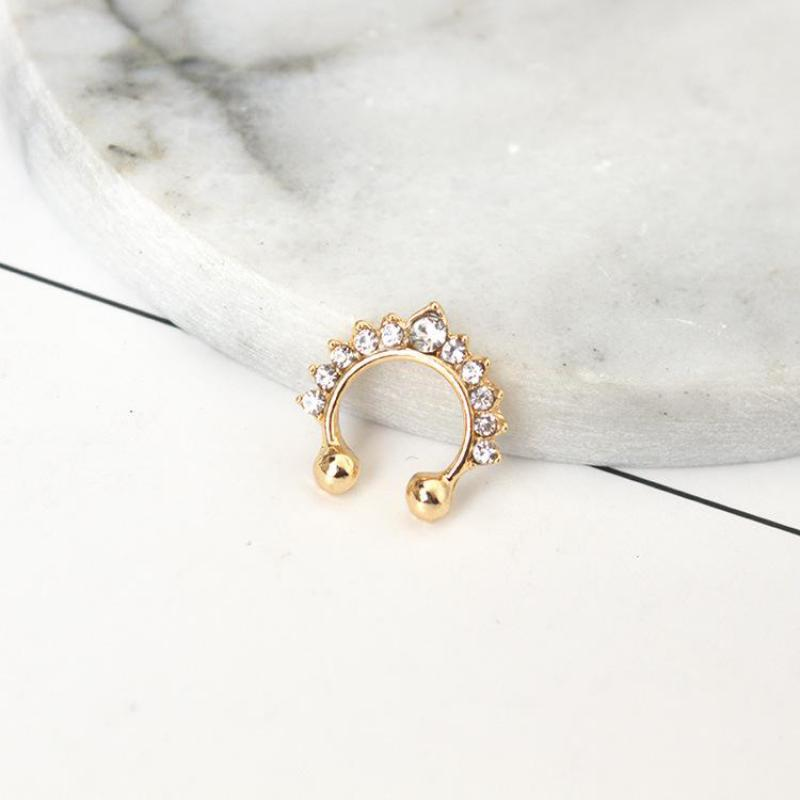 Trendy High-grade Zircon Crystal Fake Piercing Nose Ring for Women Septum Jewelry Fake Septum Clicker Ring In The Nose Imitation