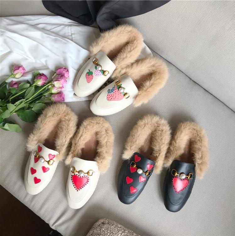 2019 autumn and winter new fashion peach heart fur shoes flat heel half drag women's shoes