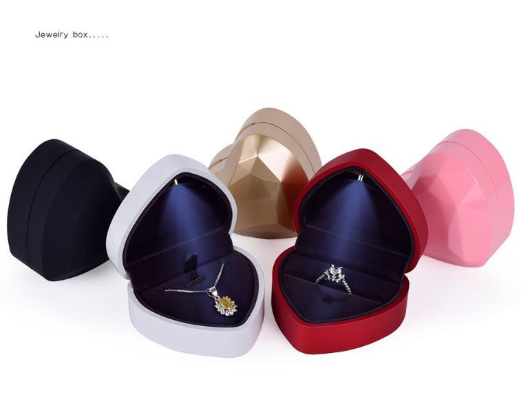 48pcs/lot LED Light Earring Ring Box Heart Shape Wedding Engagement Ring Necklace Pendant Jewelry Box Display Gift Box Wholesale SN1204
