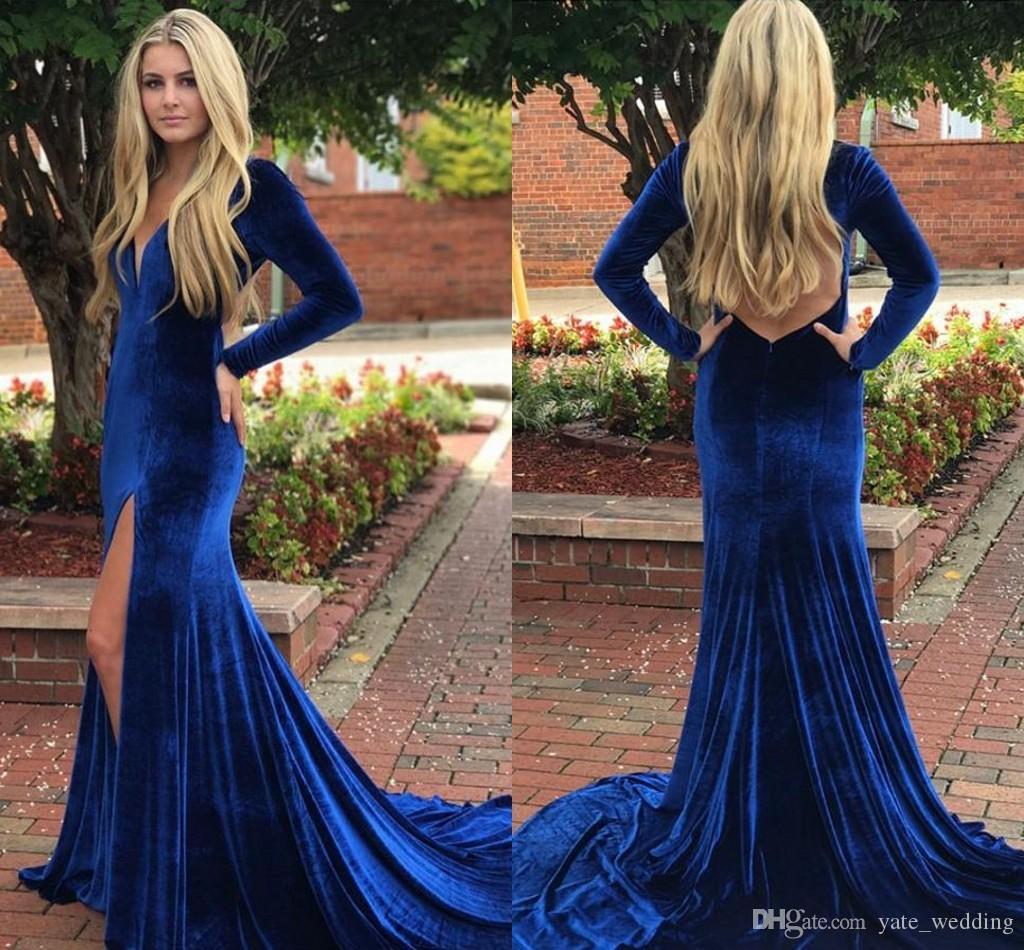 2019 섹시한 벨벳 머메이드 댄스 파티 드레스 V 목 긴 소매 높은 스플릿 플로어 길이 등이없는 로얄 블루 이브닝 드레스 파티 가운