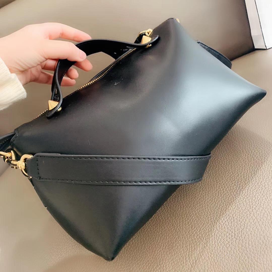 Sac à main femme Mode Sacs à bandoulière en cuir texturé solide Couleur Rivet // CFY2002265