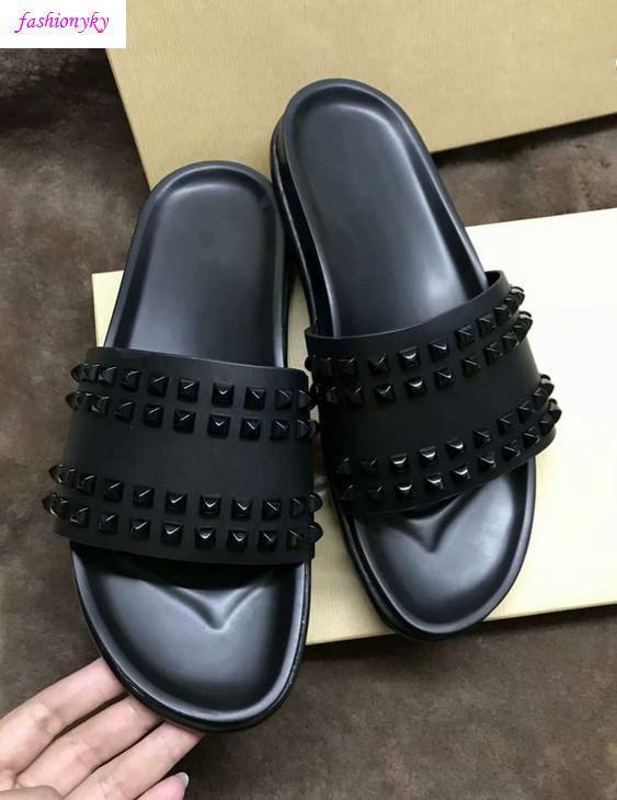 Top Donna piatto pantofole scatola Rivet Junior Spikes piatto slippersWith uomini scarpe di lusso Designer Red Bottoms