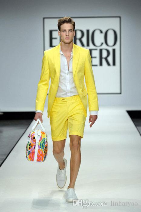 Estilo Verão Amarelo Homens ternos com calças curtas 2 peça (jaqueta + Pant) Wedding Prom Casual estilo slim Noivo Smoking Blazer