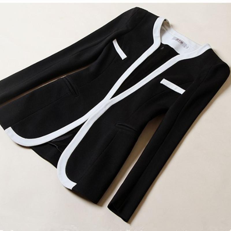 Blazer corto para mujer Negro Bloque de color blanco Chaqueta corta de manga larga Prendas de abrigo Escudo pequeño EBA093