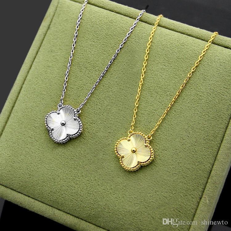Nouvelle arrivée Fashion Lady 316L Titane Acier unique Grain d'or Quatre motifs Fleurs Feuille 18K Colliers d'or 2 couleur