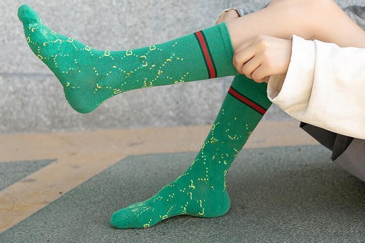 Modische Straße Hip-Hop-Sportsocken koreanische Version der Mode Damen Strümpfe in den vollen Baumwolle Haufen Socken europäischen und American21