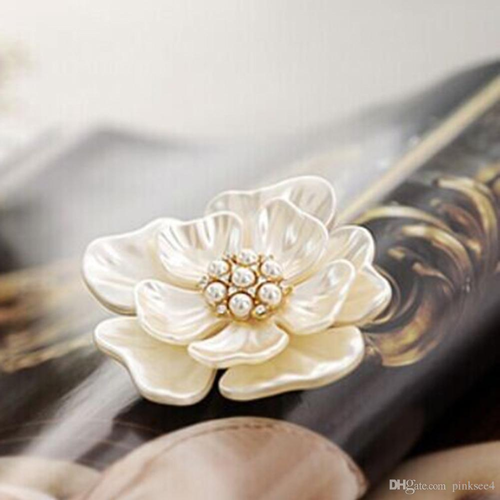 Oro Colore Fiore Spilla Pins Shell di cristallo Spille Donne strass zircone gioielli Peony Badges Moda Abbigliamento Accessori