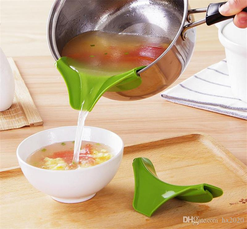 2019 Multifunction Food-grade Silicone Slip On Pour Spout Clip On Single Pouring Spout for Pans Bowls Kitchen Tool ST113