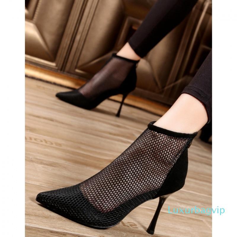 Crystal2019 Mulher Sandals Fada gaze Sexy apontou toe sapatos de salto alto Belas mulher verão esfria Sapatos de botas oco Out Mulheres