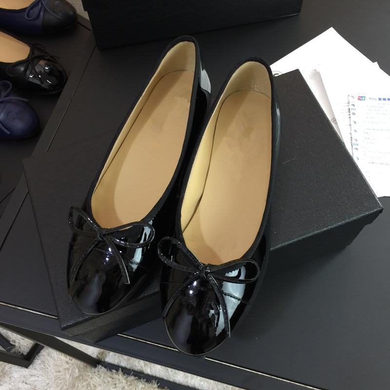 Design di lusso Scarpe Sneakers Scarpe da ginnastica di marca Italia Francia Huaraches infradito scarpe Designer cfr014