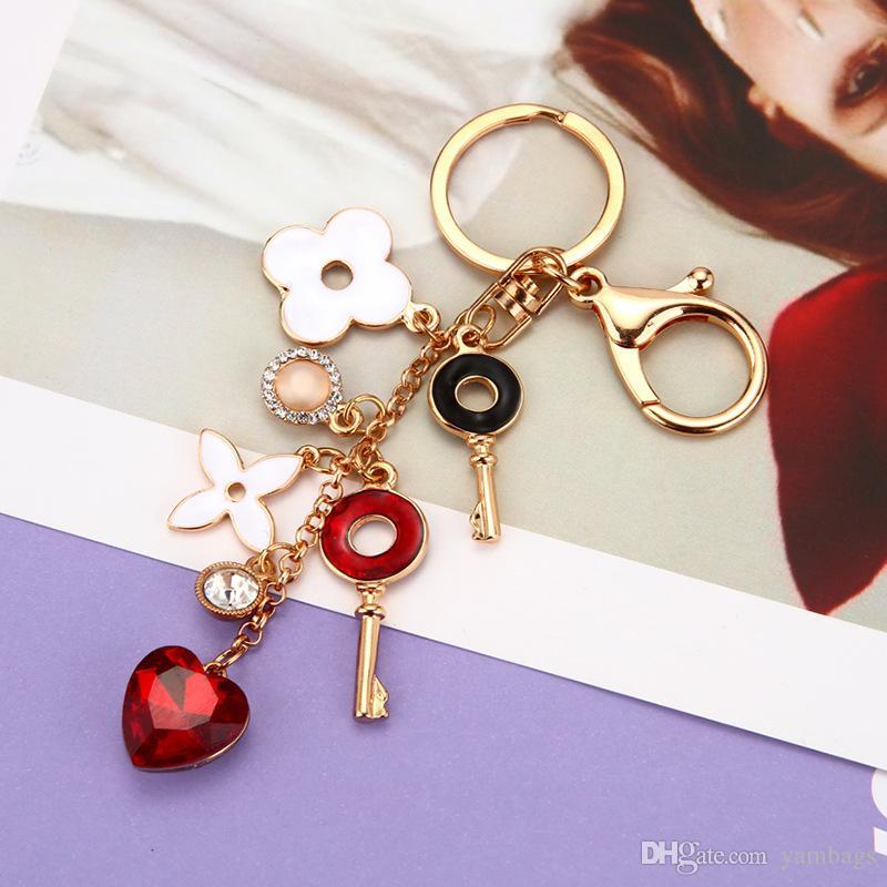 Love coeur porte-clés porte-chaîne Bijoux strass Charms fleur trèfle porte-clés imitation perle sac voiture pendentif pour femmes filles amant