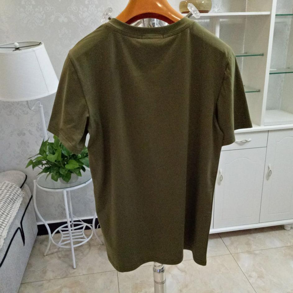 2020 Marque Designer T-shirt pour hommes manches courtes couleur unie luxe d'été Haut T Femmes Designer T-shirt Vêtements XS-2XL ltt9050801
