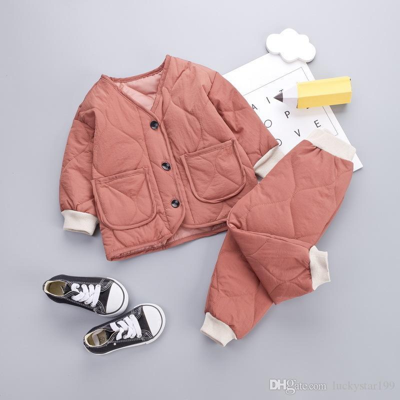 Confortáveis ternos do inverno dos miúdos Algodão 1-5T Bebés Meninos Meninas Designer espessamento Roupa Quente Cotton 4 cores Crianças Tops + Pants = 2PCS / Set