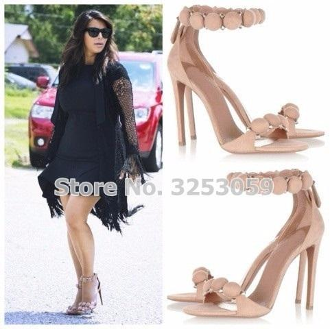 ALMUDENA Designer Shoes femmes Bouton d'été clouté Sandales pyramide Goujons Agrémentée Heels haut Pom Stiletto Pompes Y200620