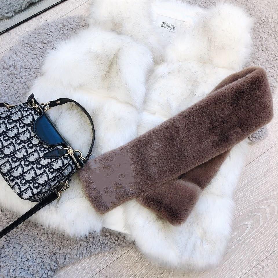 De alto grado clásico conejo pelo bufanda carta nombre de marca para hombres y mujeres en otoño e invierno, bufanda tamaño de 90 * 13cm