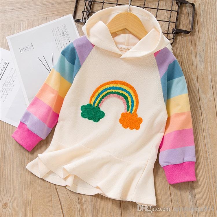 Neonate Abiti White T-shirt casuale sveglio con cappuccio con cappuccio dal ricamo arcobaleno Carino bambini vestiti di autunno Abbigliamento per bambini