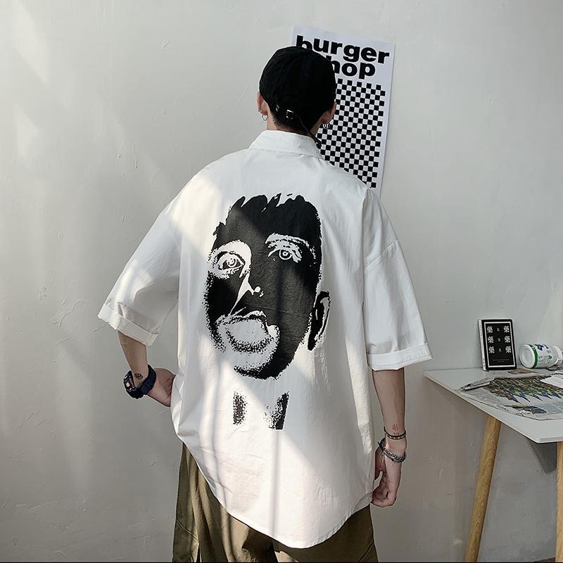 5XL más el tamaño Negro / blanco camisa de los hombres de verano 2020 de la manga corta de los hombres camisas ocasionales cómodo flojo todas correspondan Volver Imprimir Camisa para hombre