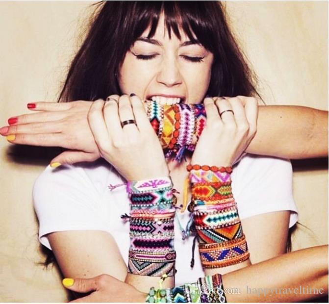 1pc colorido encantos pulsera de la amistad trenzada a mano de algodón del cordón pulsera étnica tejida hombres de las mujeres de Bohemia Playa Nepal