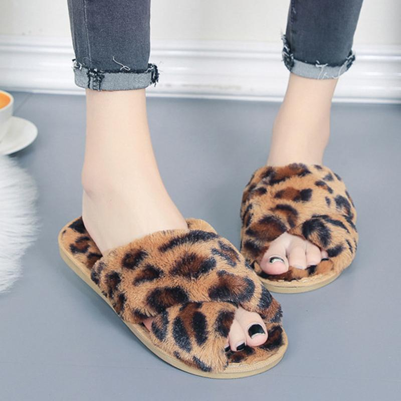 SWQZVT Leopard-Druckfrauen rutschfesten Haus Pelzfrauenschuhe Schuhe 2020 öffnen Zehe flache Innen Fell Dias für Frauen