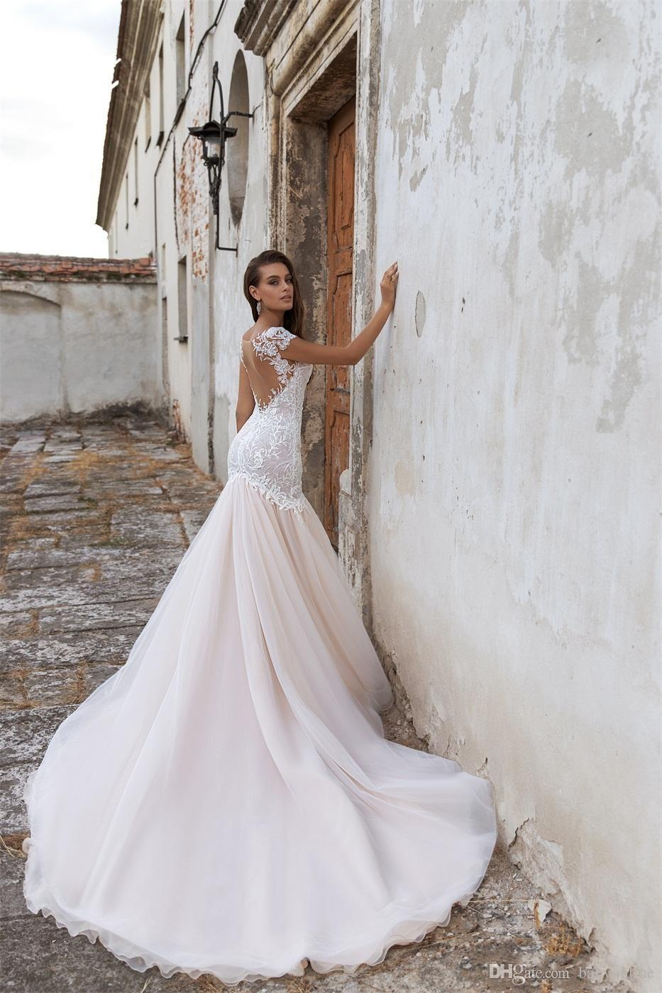 2020 Sexy Mermaid Wedding Dresses Short Sleeves Backless Wedding Dress Appliqued Sequins Court Train Custom Made Bridal Gowns Short Bridal Dresses