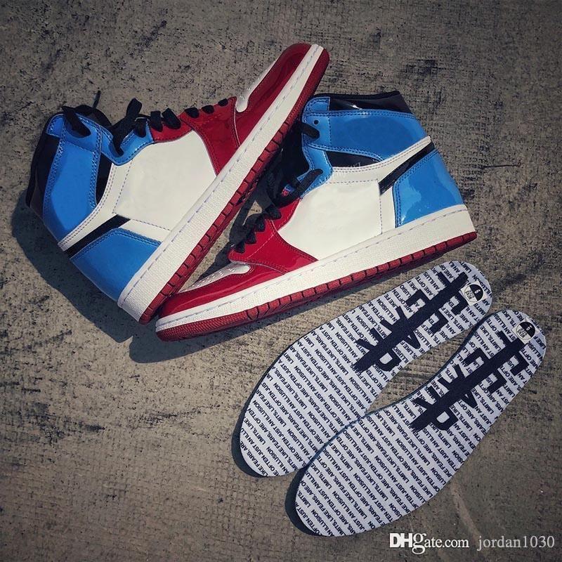 Nike Air Jordan AJ AJ1 Retro High Fearless UNC Chicago 2019 caldo di vendita scarpe da basket Top 1 Retro alta CK5666-100 Fearless UNC Chicago White azzurro dell'università-VARSITY