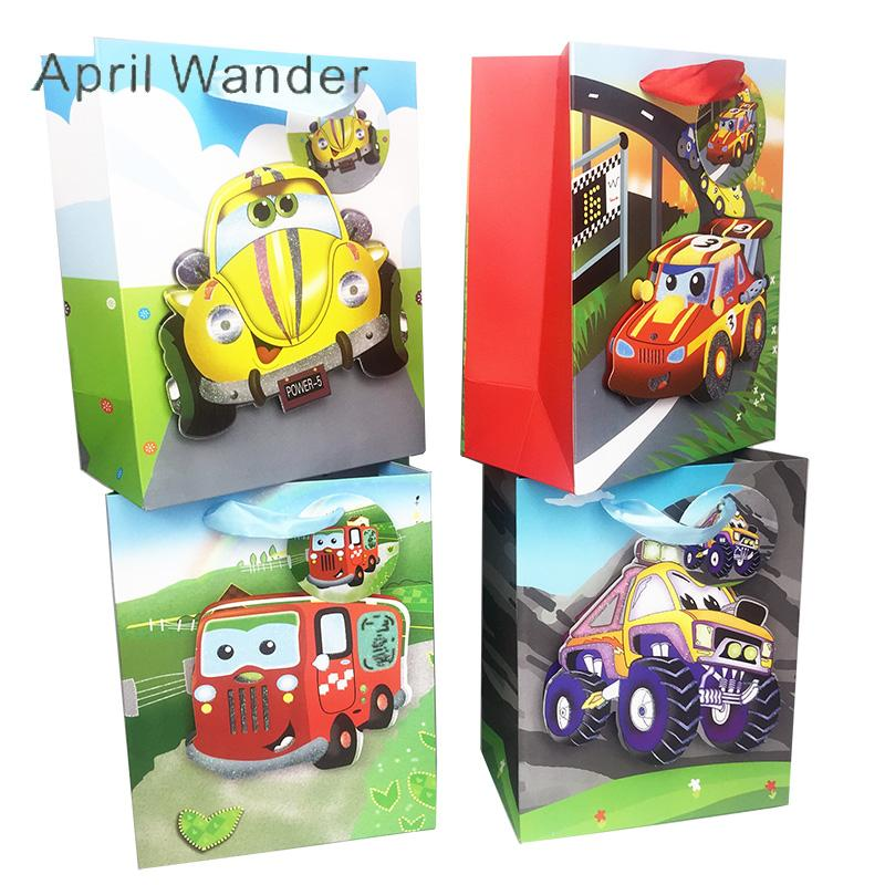 4 unids / lote encantador de dibujos animados de coches de carreras de papel de regalo bolsas de viaje fuera de la carretera del partido bolsas de asas para los niños feliz fiesta de cumpleaños suministros