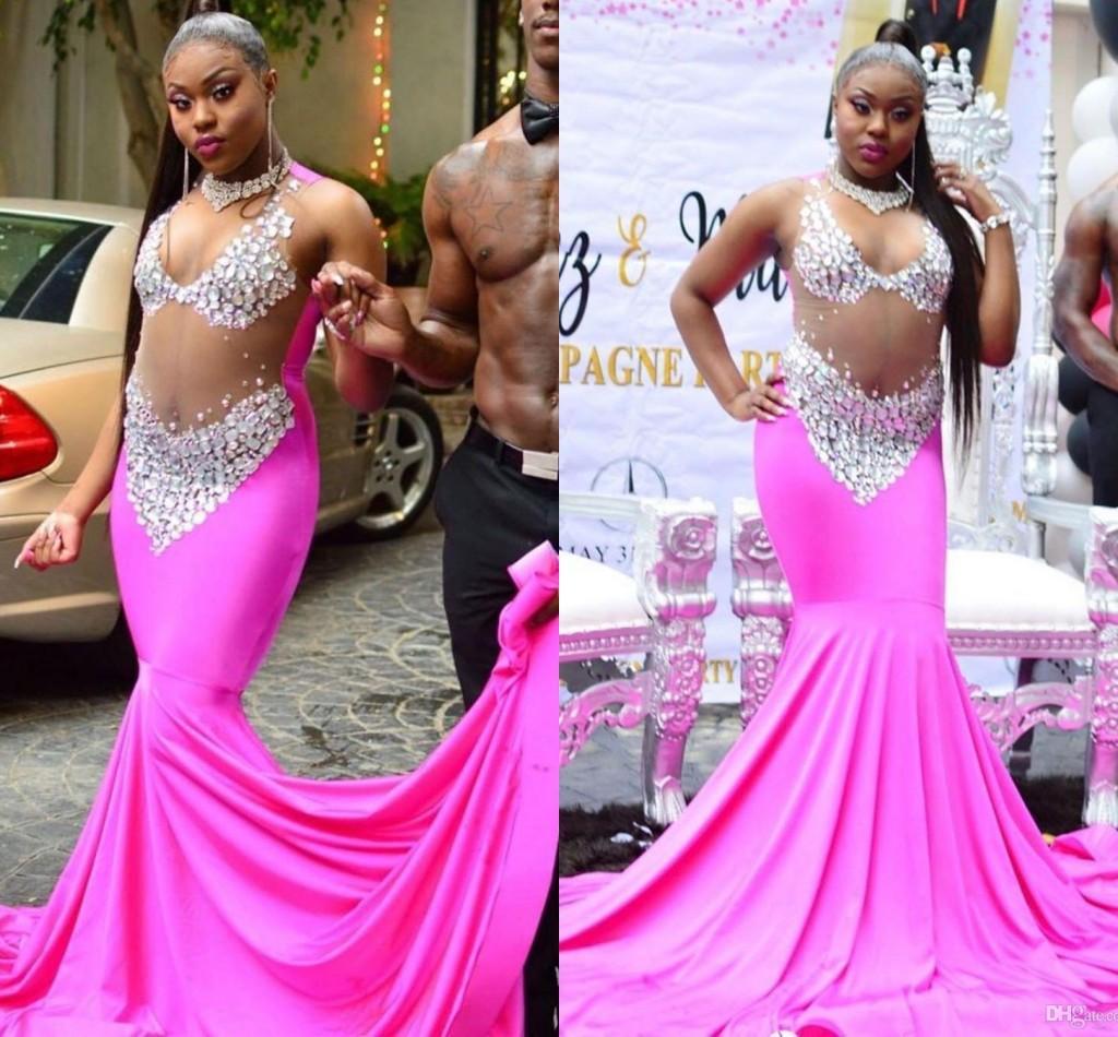 Fucsia Sparkly africano Plus Size Mermaid Prom Dresses sexy Vedere attraverso i cristalli sweep treno sera abiti convenzionali del vestito da partito di usura