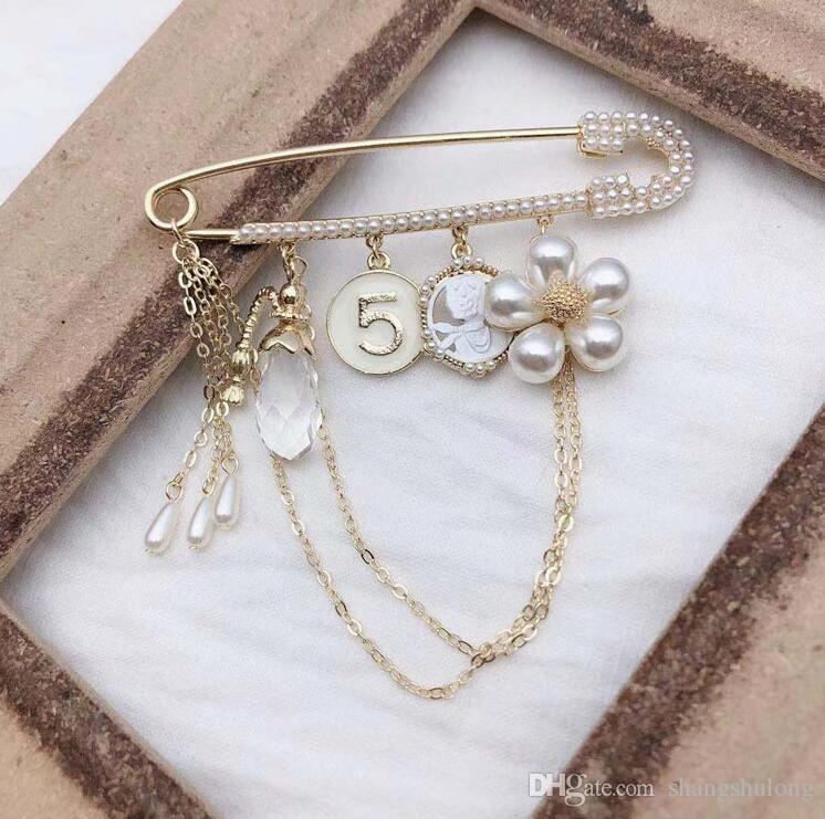 Korea Dongdaemun fiore fragile perla di cristallo nappa cardigan numero cappotto 5 spilla accessori grande pin
