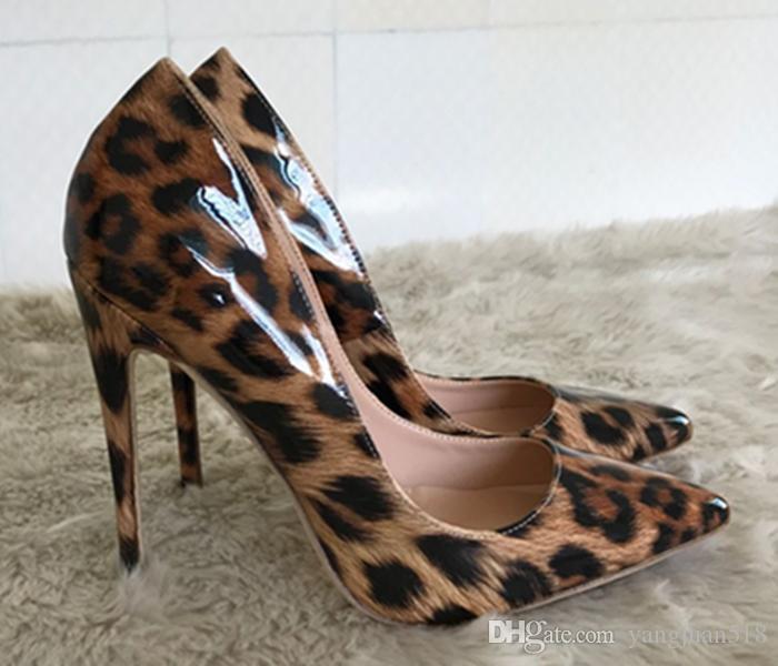 أحذية ملهى ليلي مثير حفل زفاف المرأة الجديدة ليوبارد طباعة عالية الكعب رقيقة تنزلق على اصبع القدم مضخة 12CM خنجر