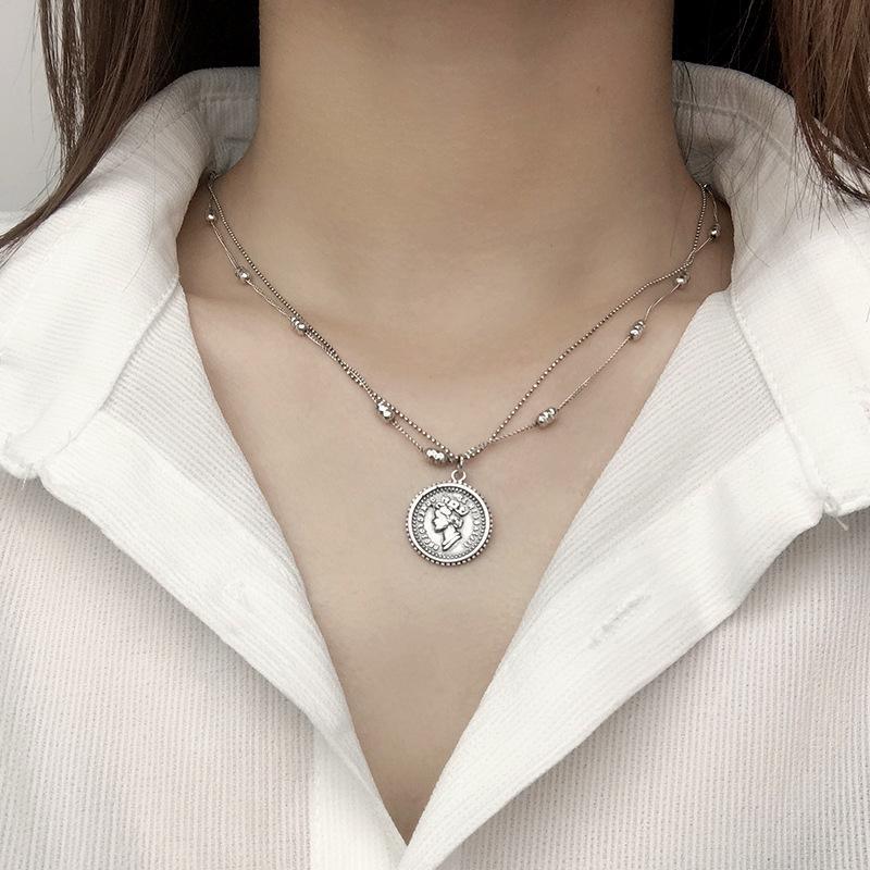 Collana con ciondolo a forma di moneta da regina in argento sterling 925 Collana con girocollo in argento vintage Collana da donna Accessori da donna di moda