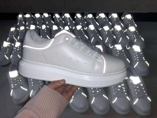 2019 Дизайнерской обувь тренеров Светоотражающие белых кожаных платформ кроссовок женщины Mens Плоской Повседневная партия Свадебная обувь замша Спорт Sneaker c16
