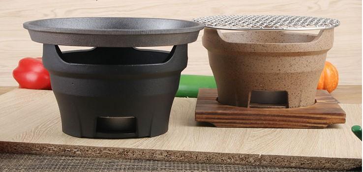 Retro barbecue griglia a carbone domestico commerciale all'aperto picnic barbecue grill portatile con il legno opaco 110