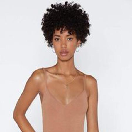 Sıcak satış yeni stil Brezilyalı Saç Afrika Americ kısa sapıkça kıvırcık bayan için Simülasyon İnsan Saç kısa kıvırcık peruk peruk
