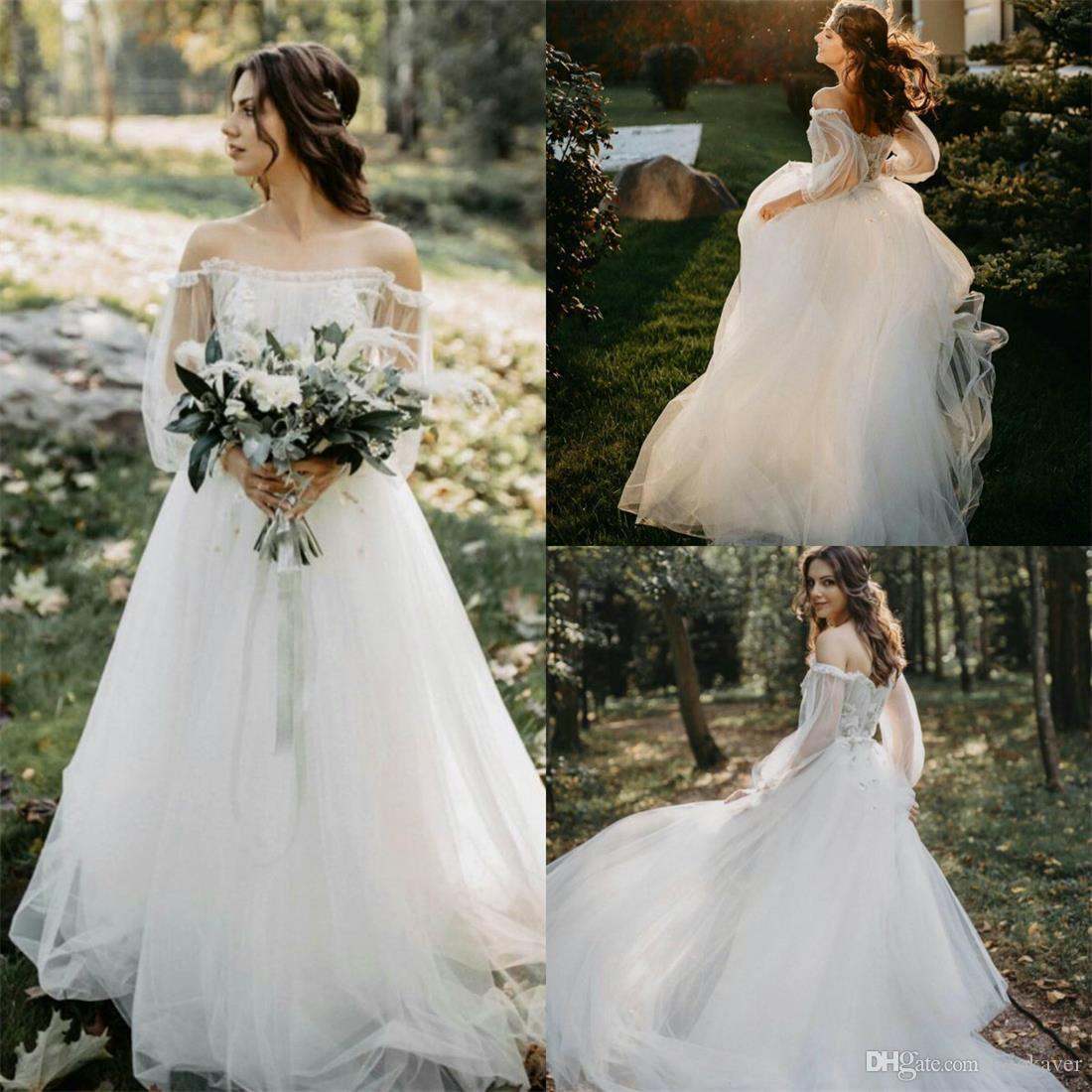 2020 Boho vestidos de novia sin tirantes de apliques de encaje de manga larga Vestidos de novia Una línea por encargo vestido barato de la boda de playa