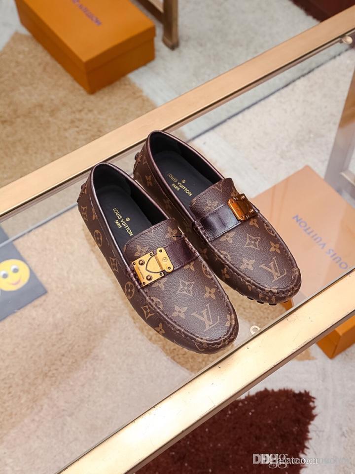 19FW marcas de deslizamiento de lujo de los hombres ocasionales de los zapatos mocasines de primavera y otoño hombre borlas hebilla de los zapatos planos de metal de los hombres de los zapatos de cuero de conducción
