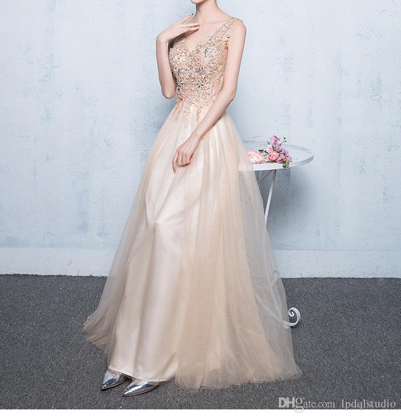 Vestido de noche largo atractivo 2019 Nueva llegada pliegues Tulle floral apliques con cuentas Vestido de fiesta largo