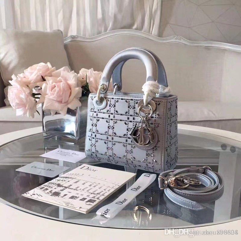 7339044 New Fashion Luxury Woman Shoulder Handbag Comfortable Casual Wild Lady Retro Three-Grid Hot Rhinestone Badge Bag Size 17cm