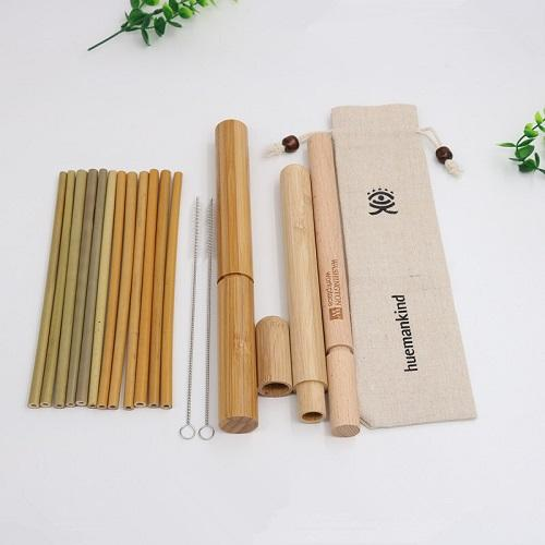 2020 New Fashion Bamboo Straw Eco Friendly Straw Tube multifonctionnel anti-poussière de hêtre de paille Cylindre 304 en acier inoxydable Brosse