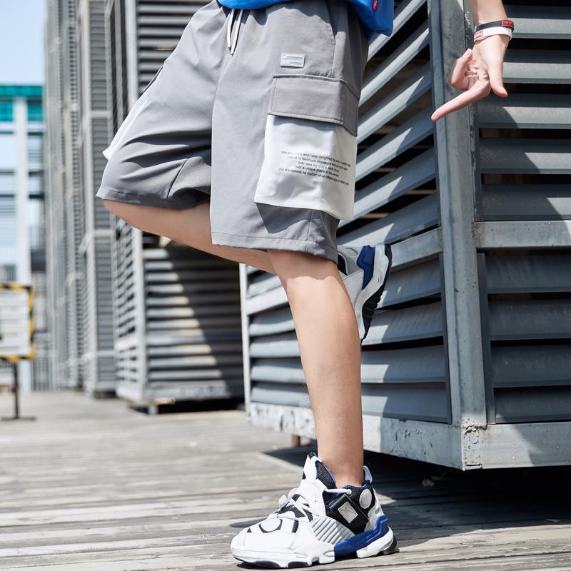Streetmens-Sommer 2020 Seitentaschen Hip Hop losen Jogger Männer Fashions Schwarze Shorts Drop T200502