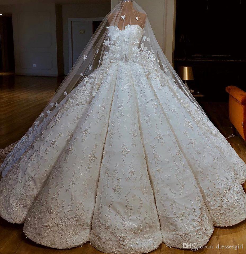 Charming Arabic Dubai Wedding Dresses Vestido de Novia Sweetheart Neckline Princess Ball Gown Floral Appliques Bridal Gowns