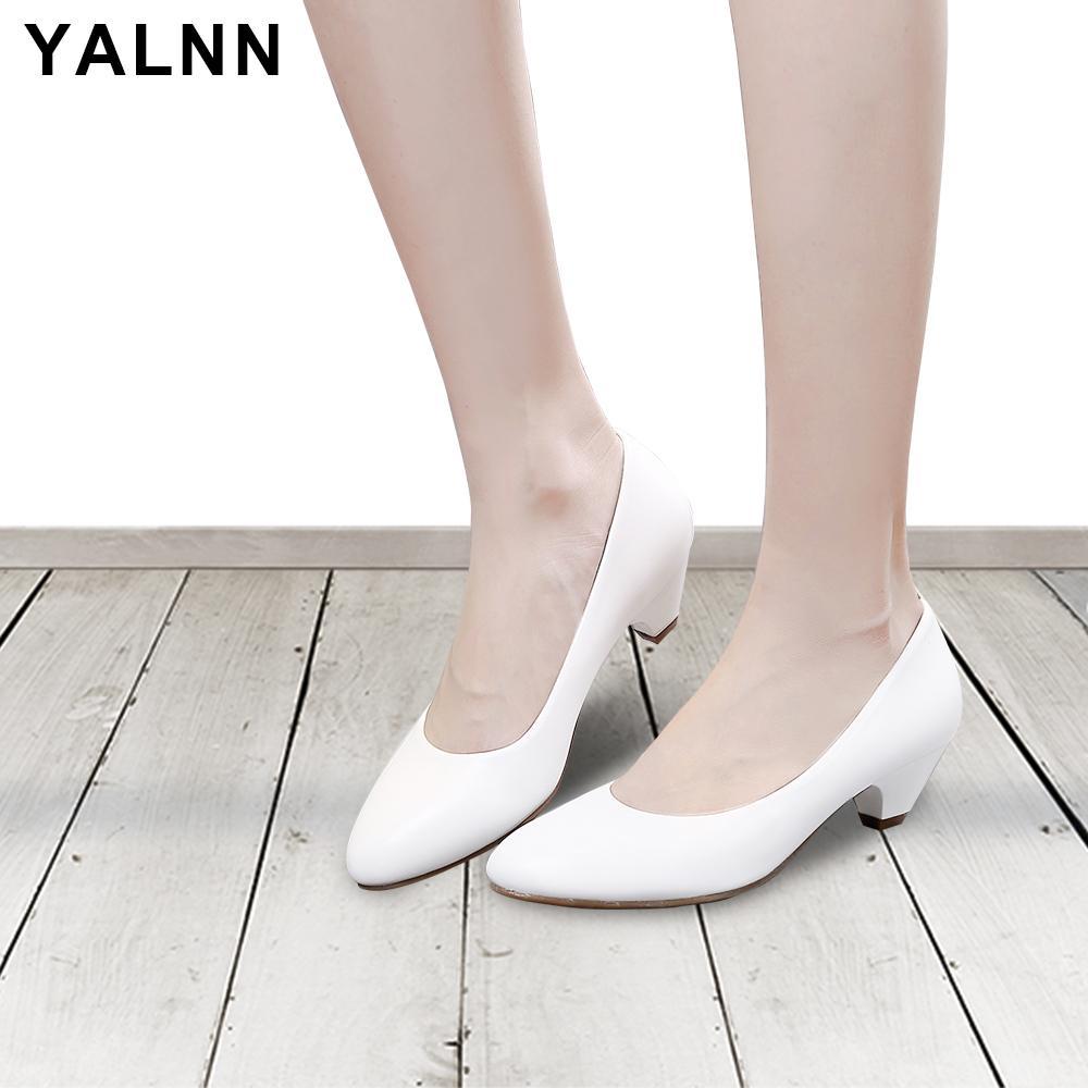 YALNN Mulheres Sapatos Bombas de couro macio de alta qualidade confortável Tamanho Grosso Outono Primavera Big Festa Salto Alto Bombas Sapatos para a menina