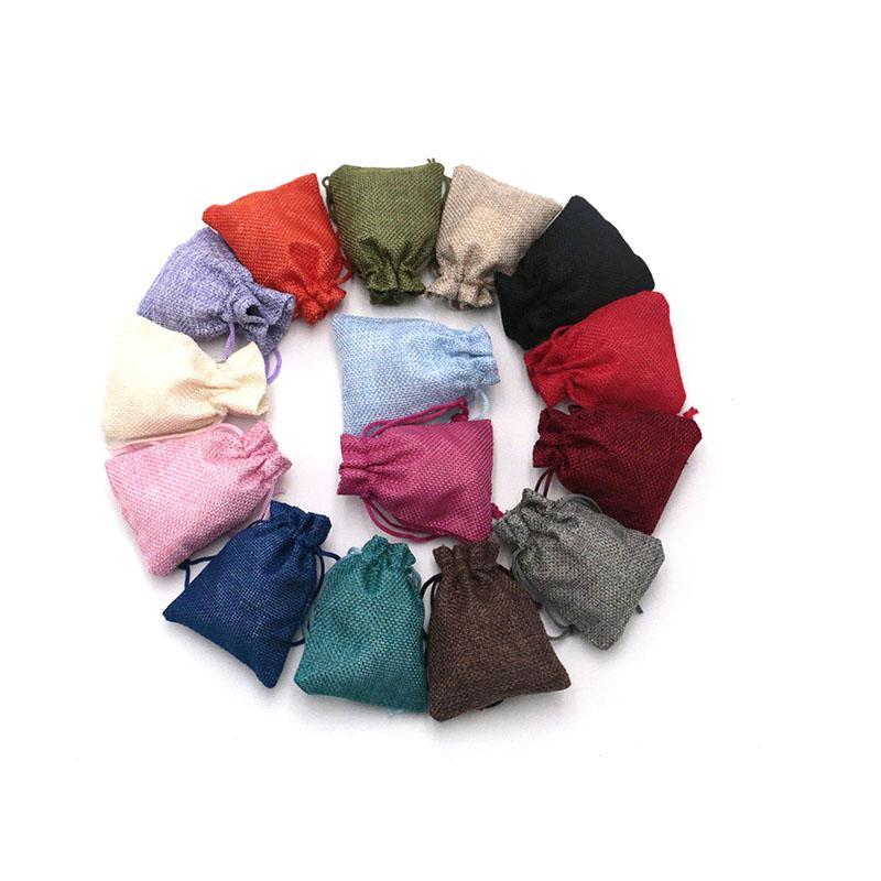 Sacos pequenos personalizados do jute do cordão dos sacos do presente 7x9cm sacos 100pcs / lot da tela não tecida que empacotam malotes do armazenamento da jóia
