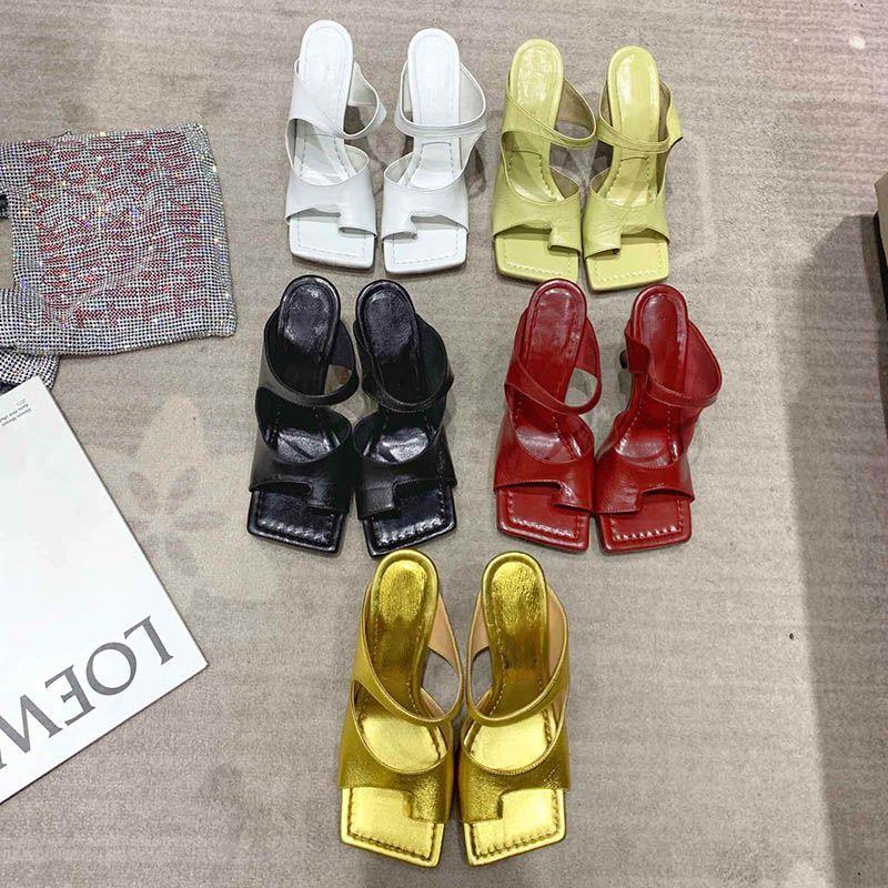مصمم أحذية كعب مربع اصبع القدم الأزياء صندل مصمم الفاخرة نساء كعوب الأحذية والنعال العالية للنساء أفضل نوعية مصمم الوجه يتخبط
