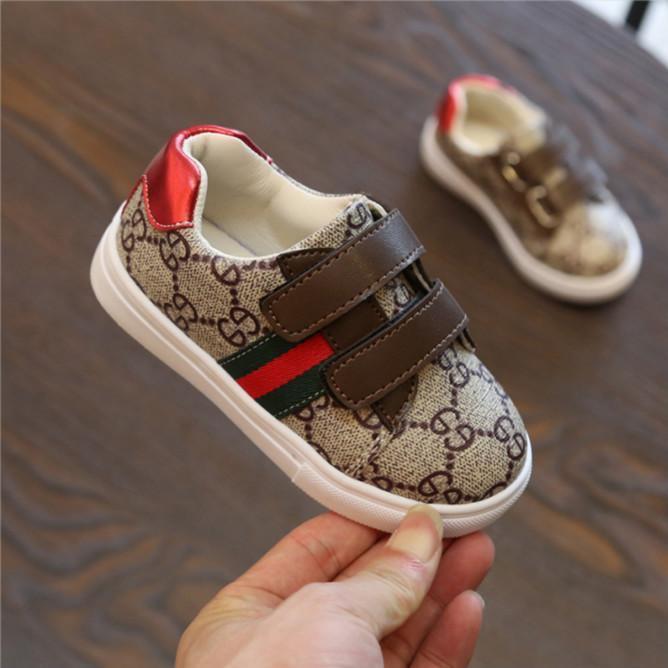 Детские дизайнерские кроссовки роскошные кроссовки письмо шаблон плоские туфли мода полоса печати Детская обувь для девочки мальчика 4 стиля