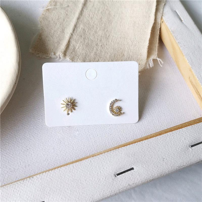 Retro Mode-Mond-Stern-Bolzen-Ohrringe Metall Ohrring für Frauen Geometrische Trend Schöne Großhandelsmädchen Simple Gifts