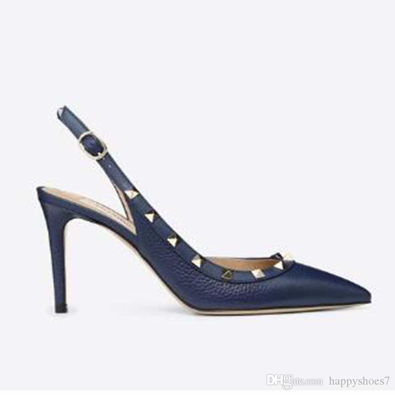 Sandalias puntiagudas pernos prisioneros del dedo del pie zapatos de tacón de charol sandalias de los remaches de las mujeres tachonado vestido de tiras de zapatos valentín 10cm zapatos de tacón alto C3