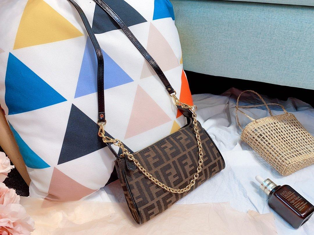 Hot Sale Fashion Vintage Handbags Women bags Designer Handbags Wallets for Women Leather Chain Bag Crossbody and Shoulder Bags z0000030