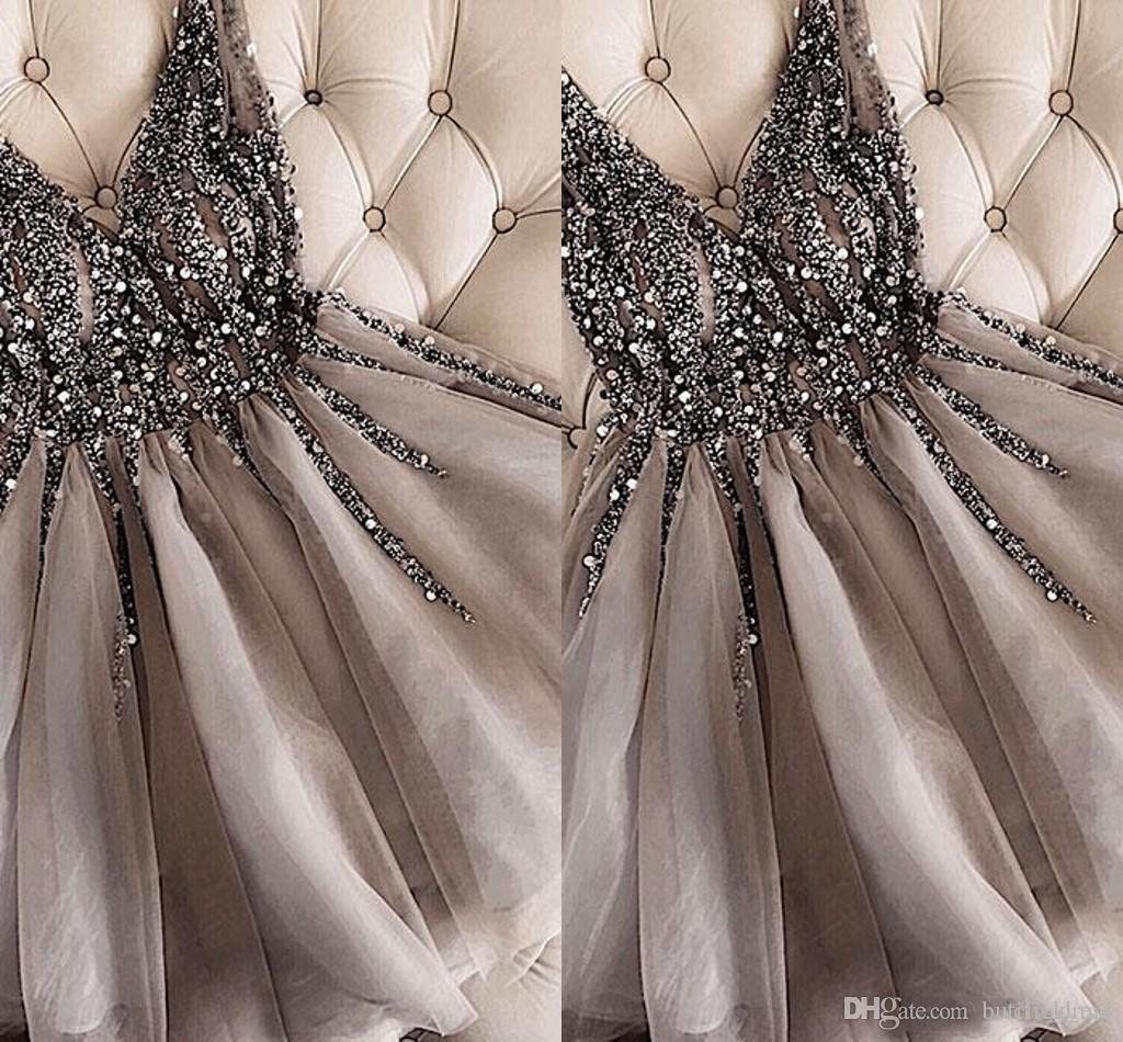 2019 Sparkle Una linea in rilievo breve abiti da cocktail grigio Homecoming Vestito poco costoso doppio scollo a V sexy lucida mini abiti di promenade Abiye Vestidos