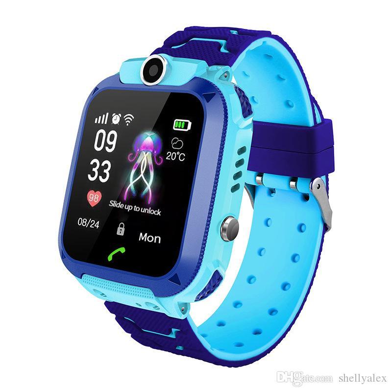 Çocuklar Q12 Çocuk Bilek Saatler Smartwatch'larda Uzaktan Karşıtı Kayıp Kamera SOS Su geçirmez SIM Çağrı Sesli Arama İçin Android IOS En Hediye İçin