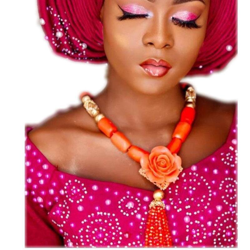الجملة الطبيعة الأفريقي المرجان الخرز الزهور والمجوهرات مجموعة كرات الذهب دبي قلادة مجموعة من تصميم جديد الزفاف النيجيري